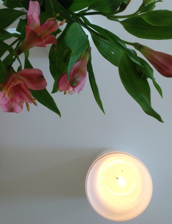 Diary-Flowers-candle